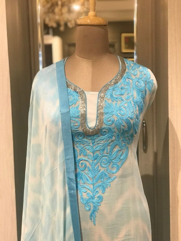 Tie n Dye Cut Daana Aari Neck Women Salwar Suit close up